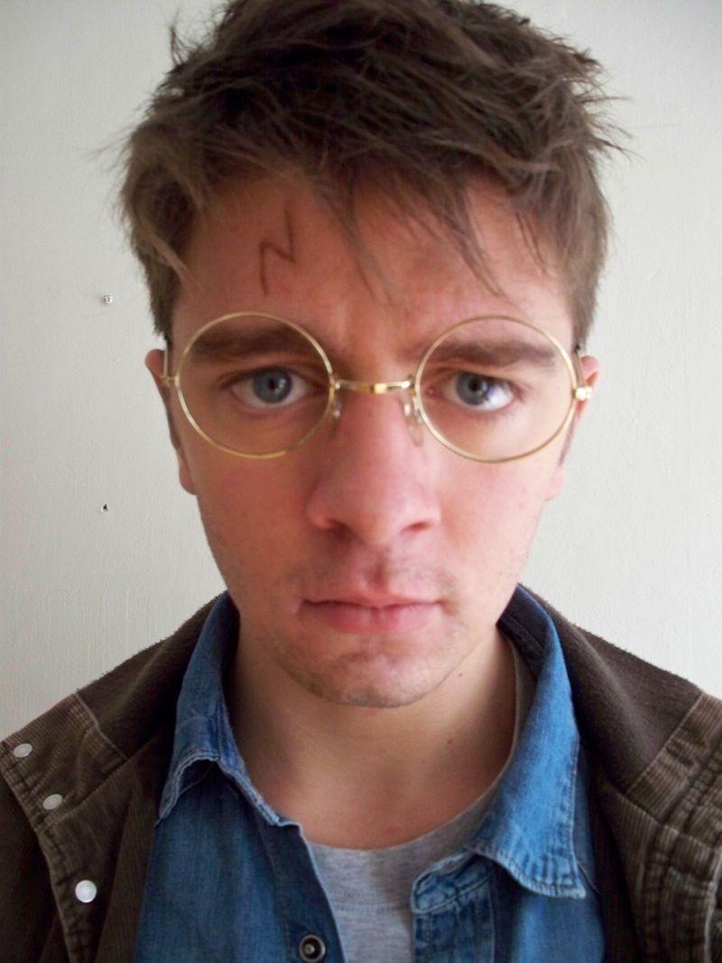 Adam as Harry-2